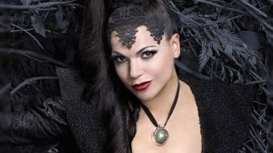 The-Evil-Queen-in-black